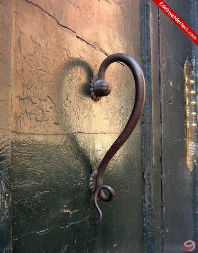 Aşk Kapıda Nöbette