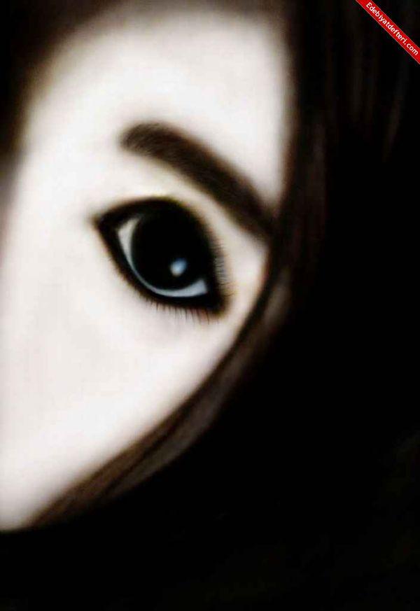 Yüzünü Boyayan Kız