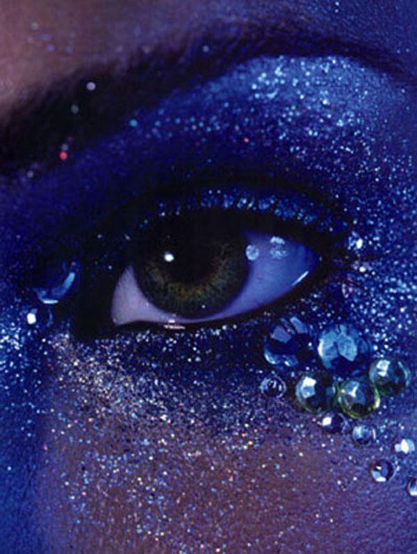 Sular Boğulur Gözlerimde...