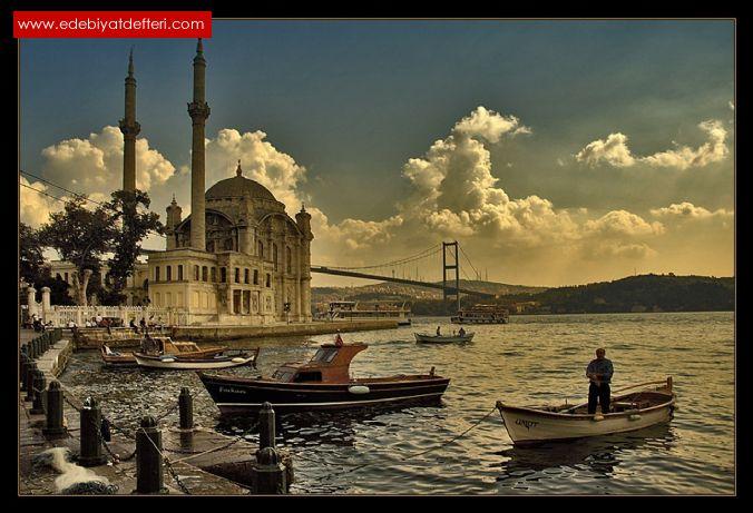 İSTANBUL'U GÖZLERİNDE SEVDİM