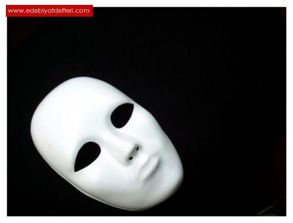 Fotoğrafların Dilindeki Maske
