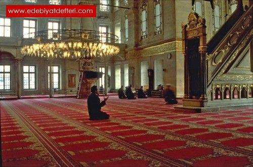 … Cami'de Bir İkindi Molası