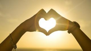 Göklere Açılan Nurlu Kapı: Sevgi